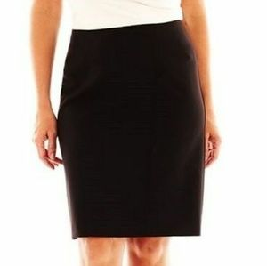 Black Mid-Rise Pencil Skirt